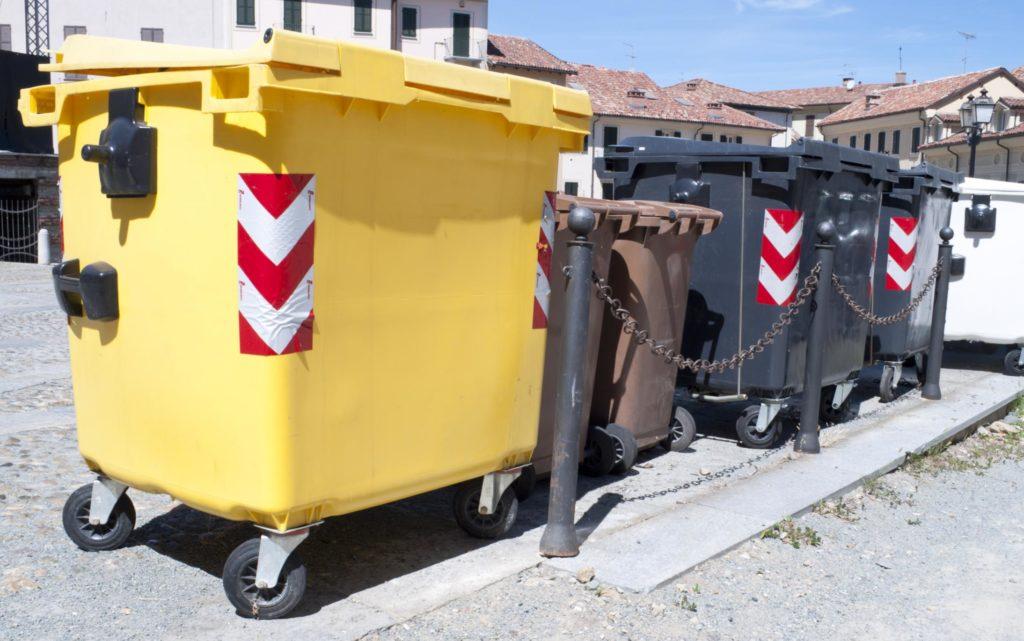 trash bins for junks